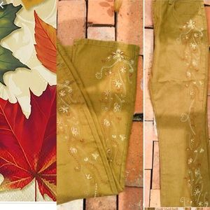 DG2 Festive Holiday Embroidered Gold Plus JeansNEW